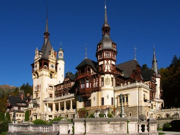 Delegație guvernamentală condusă de premierul Dacian Cioloș, la Castelul Peleș