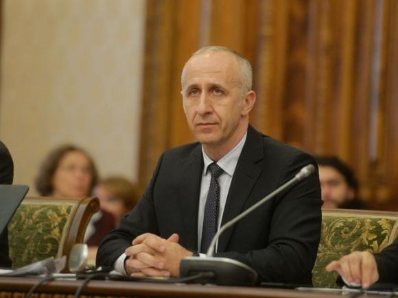 Ministrul Transporturilor: Propunem înființarea unei autorități care să țină evidența strictă a utilajelor și specialiștilor