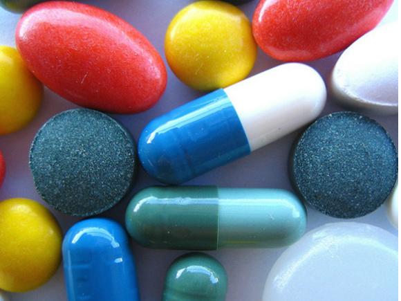 Medicamentele contrafăcute, o preocupare majoră a companiilor farmaceutice