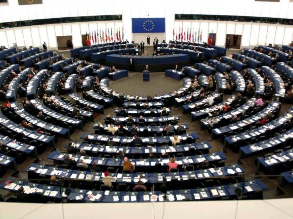 Parlamentul European cere activarea imediată a procedurii de ieșire a Marii Britanii din UE