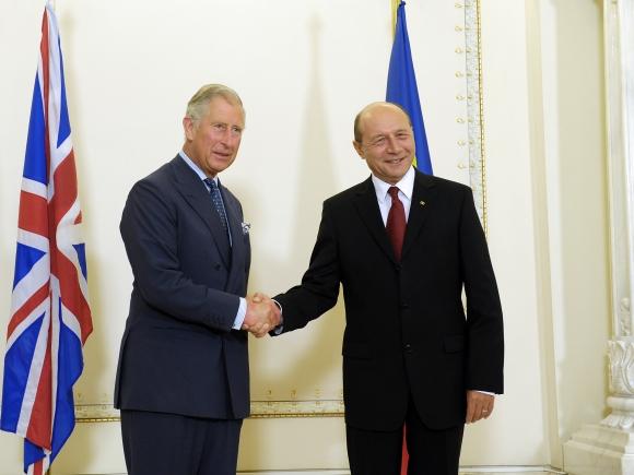 Traian Băsescu, prinţului Charles: O să aveţi un sat în curând