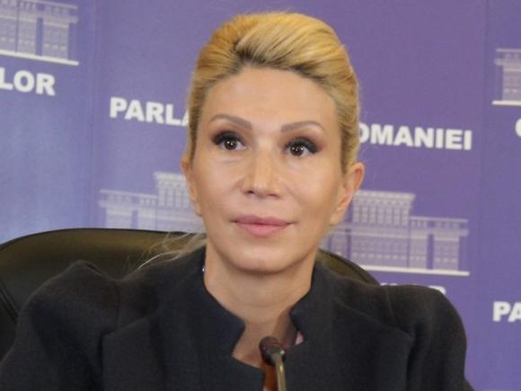 Raluca Turcan: PSD şi PNL bagă şi educaţia în insolvenţă prin modificările neconstituţionale aduse Legii Educaţiei Naţionale