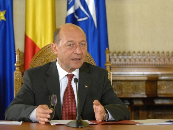 Băsescu: S-a încercat discreditarea STS, nu pot să intru în jocul demiterilor