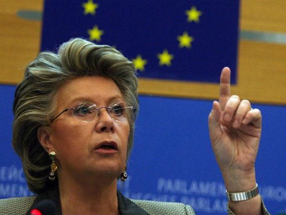 Uniunea Europeană vrea o protecţie sporită pentru cetăţeni în faţa folosirii datelor personale de către SUA