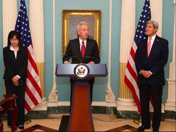 Ambasadorul SUA: Soldații români au un rol vital în misiunea NATO în Afganistan