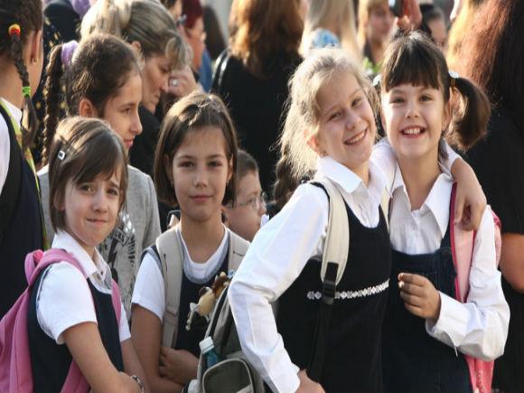 Viitorul an şcolar are 36 de săptămâni; cursurile încep pe 16 septembrie 2013 şi se termină pe 21 iunie 2014