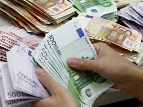 Grecia: Valoarea depozitelor constituite în bănci a crescut ușor în decembrie
