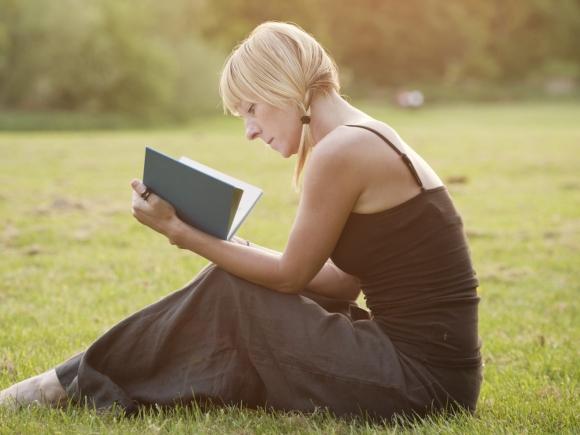 Cititul și somnul, rol crucial în păstrarea facultăților mentale