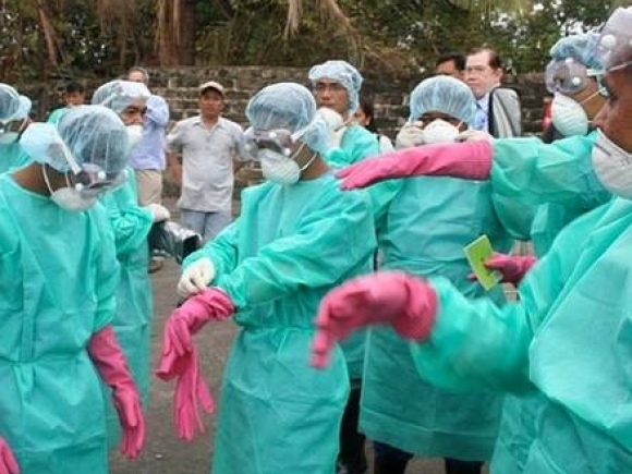 Un expert al OMS, contaminat cu virusul Ebola, a fost spitalizat în Germania