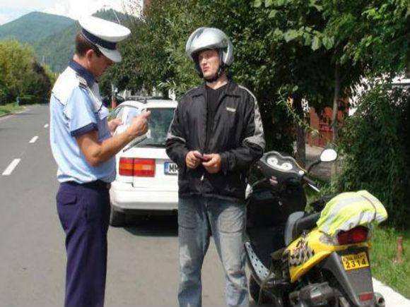 Guvernul a eliminat normele pentru mopede