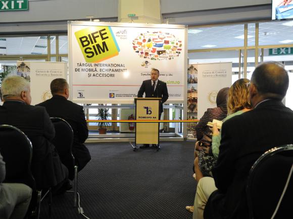 Președintele CCIR a inaugurat BIFE-SIM - cel mai mare târg de mobilă, echipamente și accesorii din România