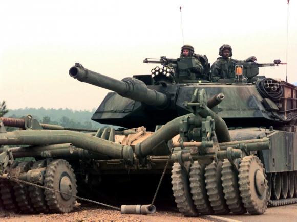 SUA vor să staţioneze în Europa, posibil în România, 150 de tancuri şi vehicule blindate