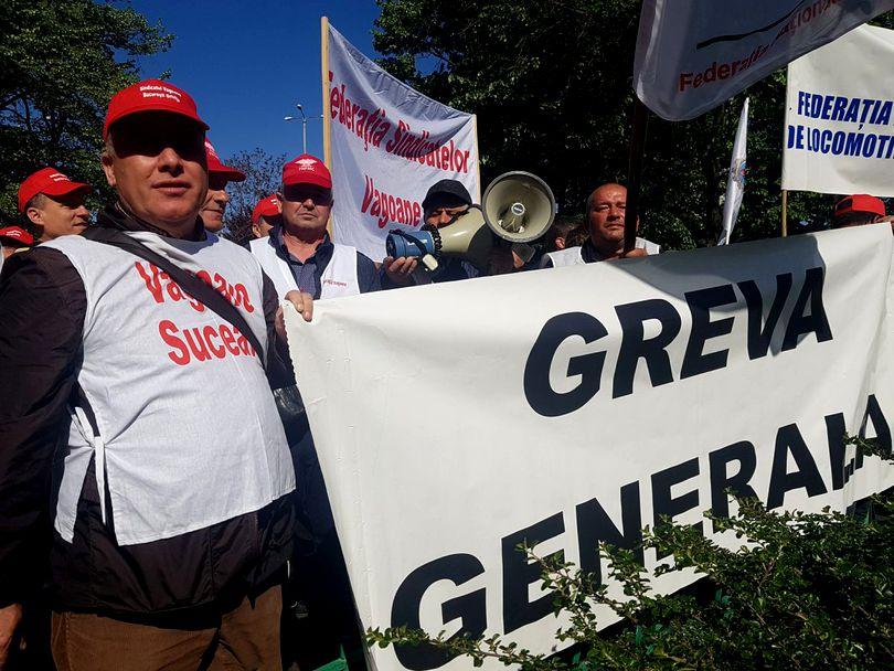 protest-la-ministerul-transporturilor-organizat-luni-de-sindicalistii-cfr