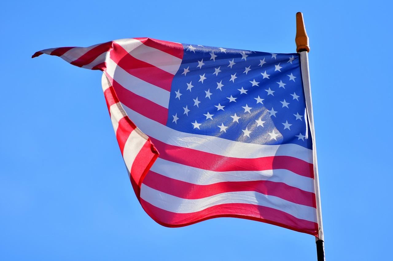 flag-3371279_1280